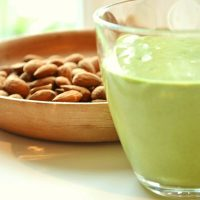 Almond Milk Smoothie: For Skin That's Softer Than A Baby's!