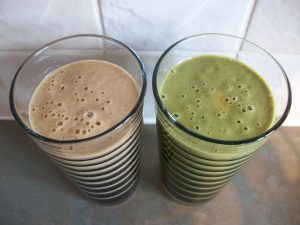 Homemade Cookie Dough Smoothies: Green Smoothie and Dessert Thickie