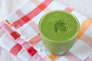Tropical {Vitamin} C Blast Green Monster Smoothie: The Chic Life