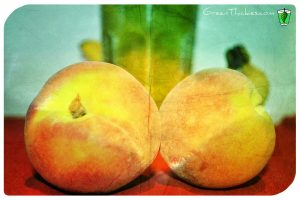 This Peachy Pail Peach Smoothie (Green Smoothie) is such a fast energising snack.