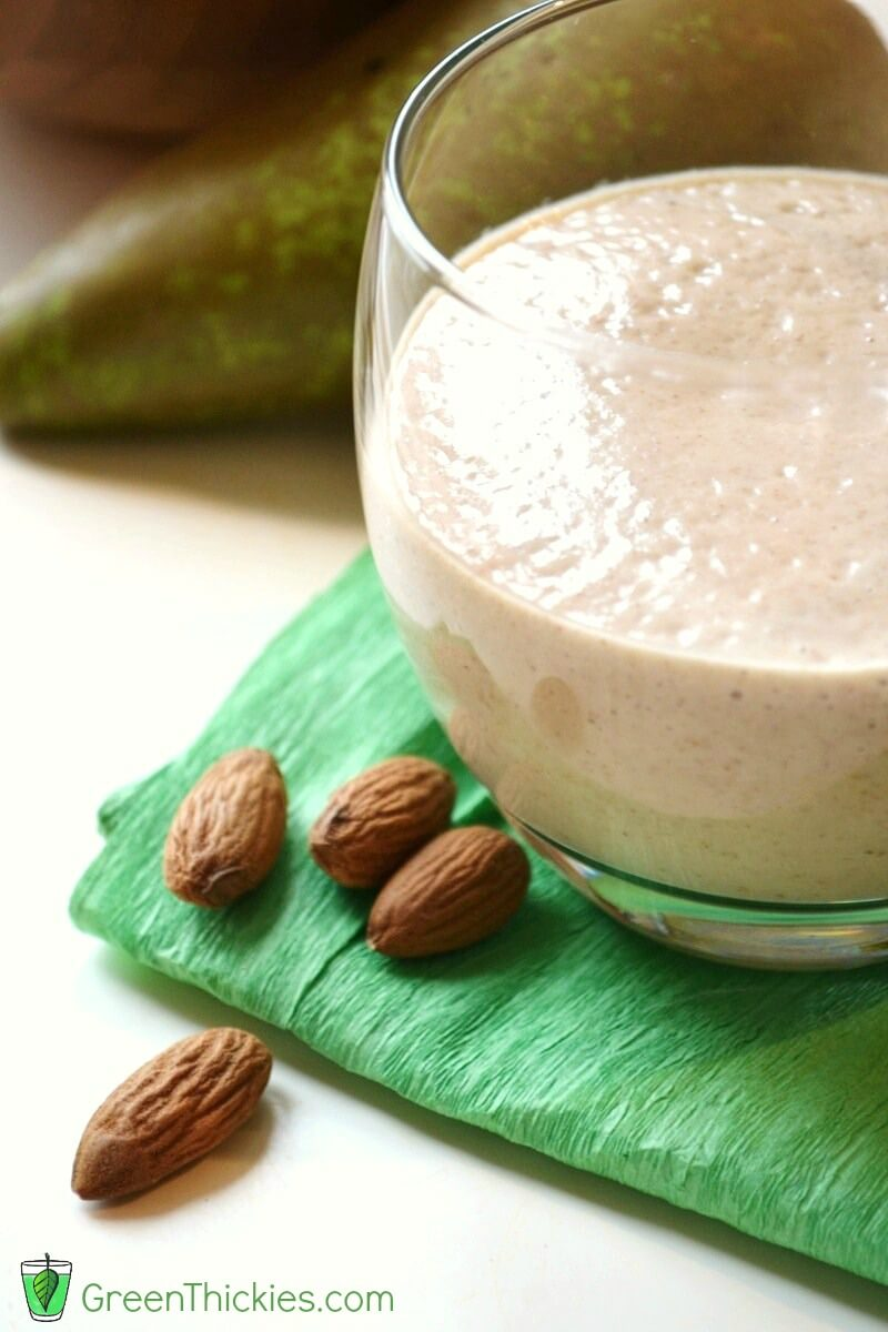 Almond and Pear Smoothie