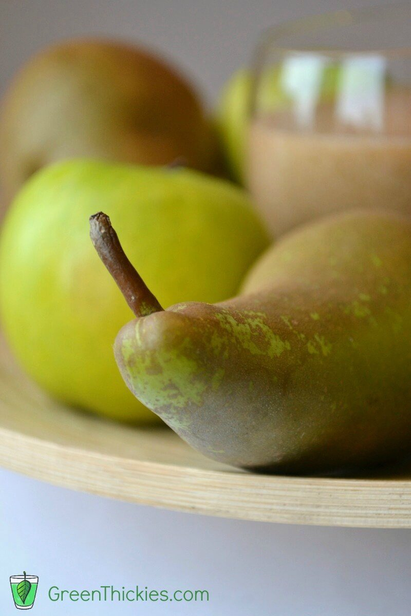 Pear Cardamon and Apple Smoothie