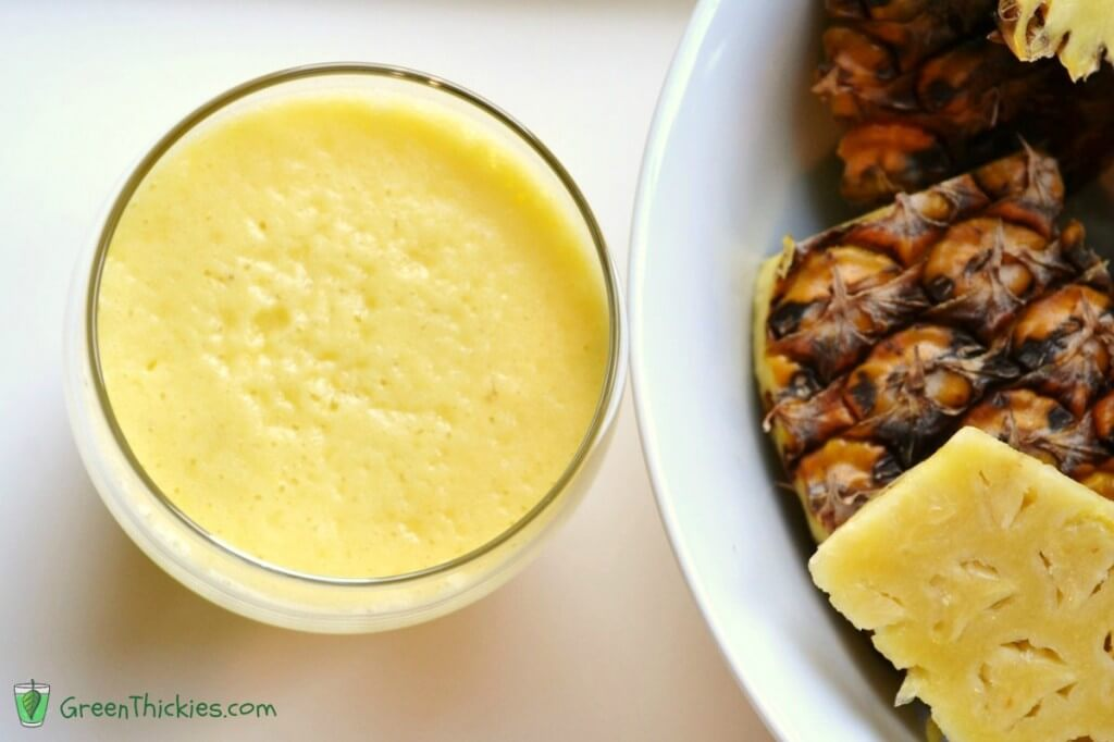 Pineapple and frozen orange juice smoothie