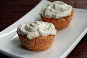 Nut-Free Raw Carrot Cupcakes with Apple-Cashew Frosting