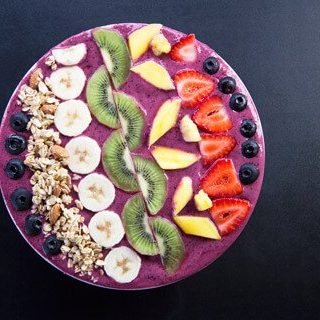 Lazy Sunday Berry Smoothie Bowl