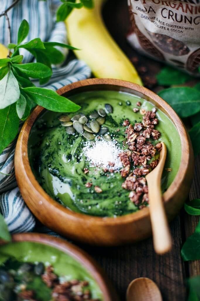 vegan-green-smoothie-bowl-683x1024