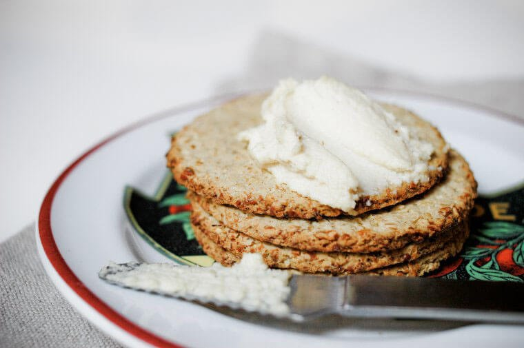 10 Delicious Raw Vegan Cheese Recipes (Never Crave Dairy Again)
