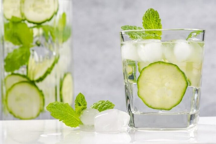 How To Lose Water Weight - 14 Ways To Reduce The Bloat  diet cucumber and mint refreshing beverage