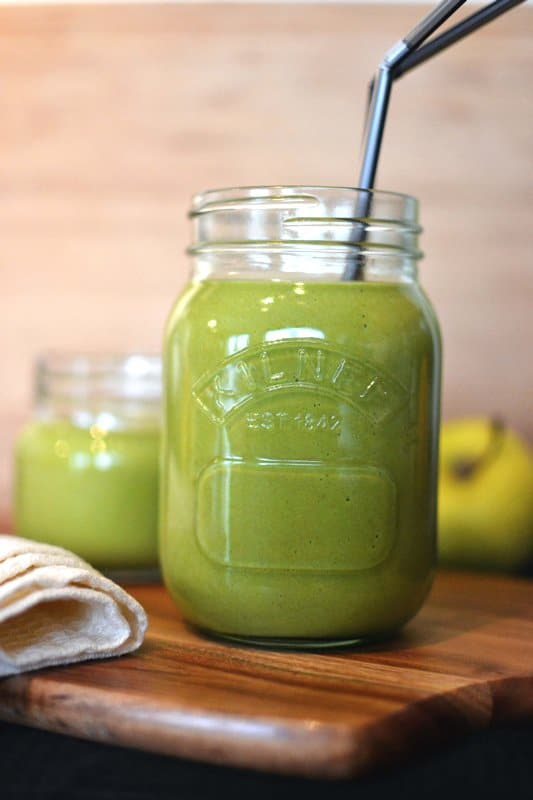 33 HEALTHY Green Drinks For St Patrick's Day Basic Green Thickie Recipe
