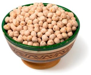 34 High Protein Vegetables You Probably Already Eat; Bowl with traditional Moroccan roasted chickpeas