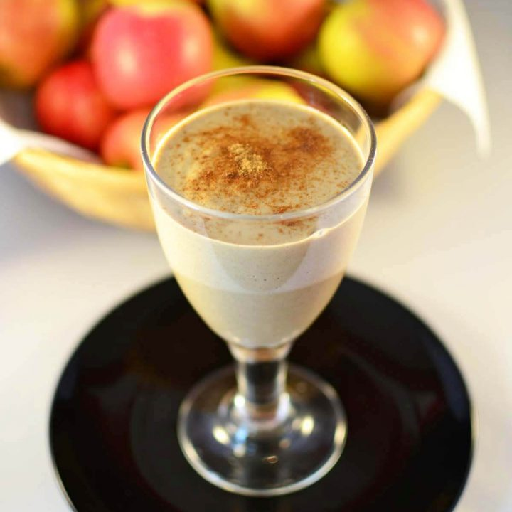 Healthy Apple Pie Smoothie: Dessert Thickie