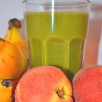 Peachy Pail: Peach Smoothie Recipe (Green Smoothie)