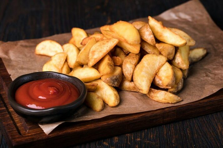 Paleo vs Vegan? Why A Pegan Diet Is Your Best Option; Roasted potato wedges