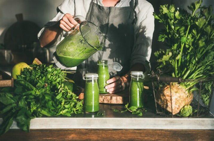 How To Store Smoothies 11 Ways (Fridge, Freezer, How Long); Basic Green Smoothie Recipe