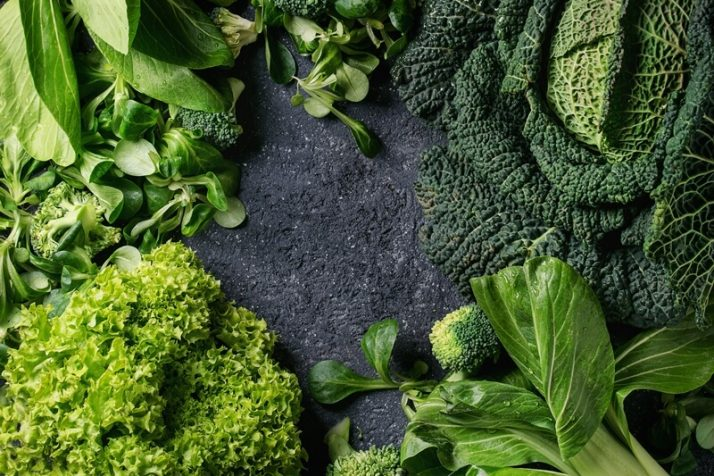 Kale Vs Spinach: We Compare Taste, Health, Protein, Nutrients; Green salads and cabbage