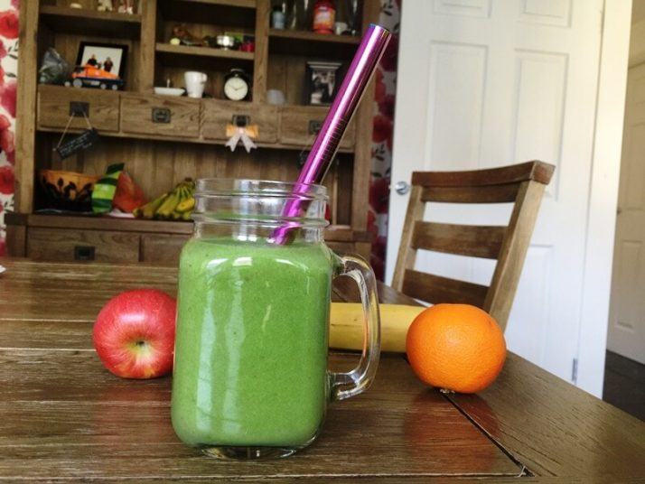 How To Make A Green Smoothie: 5 Expert Hacks Revealed; Easy Breezy Green Smoothie Recipe