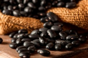 34 High Protein Vegetables You Probably Already Eat; Organic Raw Dry Black Beans