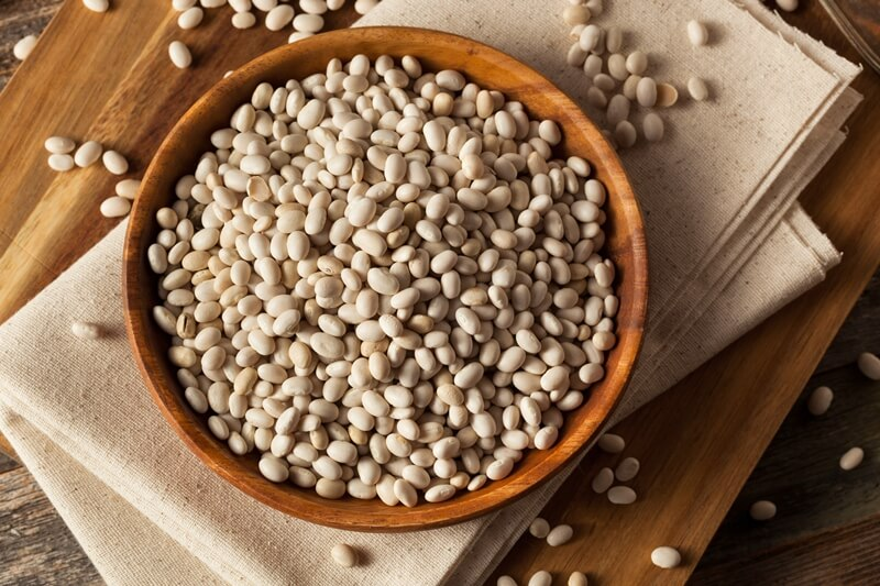 34 High Protein Vegetables You Probably Already Eat; Raw Organic White Navy Beans