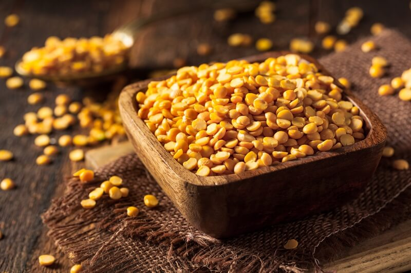 34 High Protein Vegetables You Probably Already Eat; Raw Organic Yellow Split Peas
