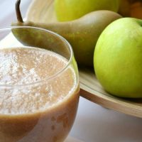 Pear, Cardamom and Apple Smoothie