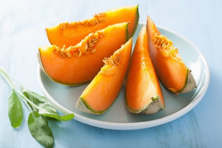 21 Lowest Calorie Fruits For Weight Loss List; cantaloupe melon sliced