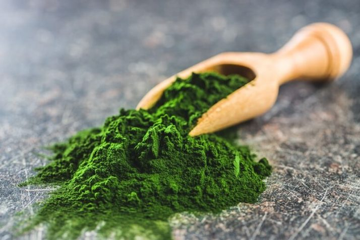 Spinach Powder Vs Fresh Spinach: Includes Weight Loss Recipe; green-chlorella-powder-in-wooden-scoop