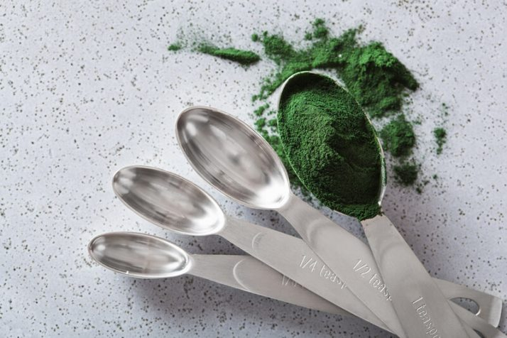 Spinach Powder Vs Fresh Spinach: Includes Weight Loss Recipe; spirulina powder healthy dietary supplement, green powder
