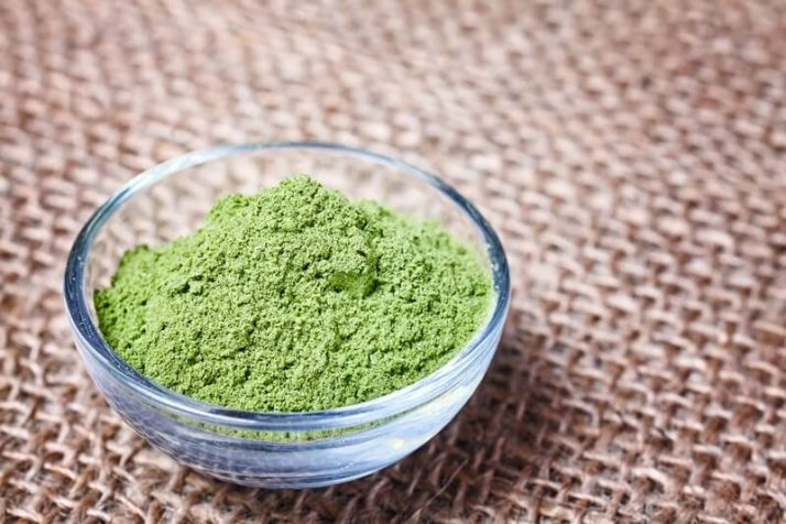 Spinach Powder Vs Fresh Spinach: Includes Weight Loss Recipe; young barley powder in a bowl, green powder, green powder