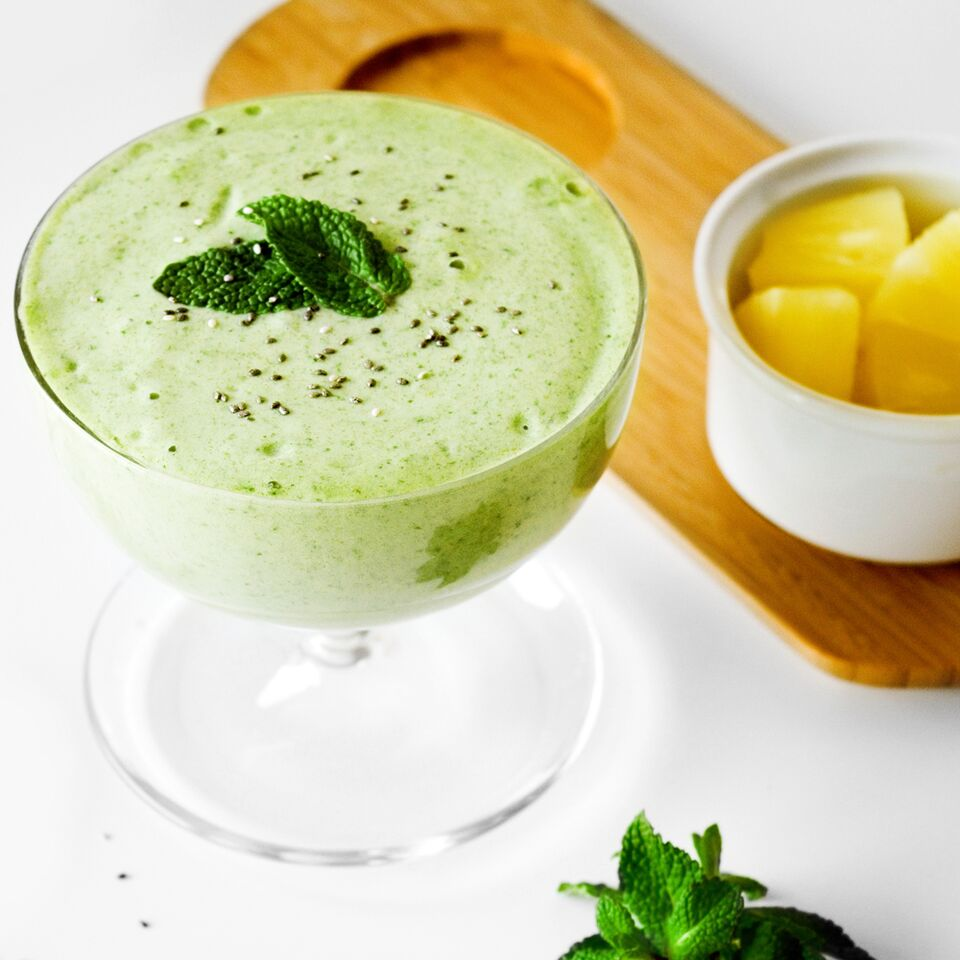 Cool Breeze Mint and Pineapple Smoothie