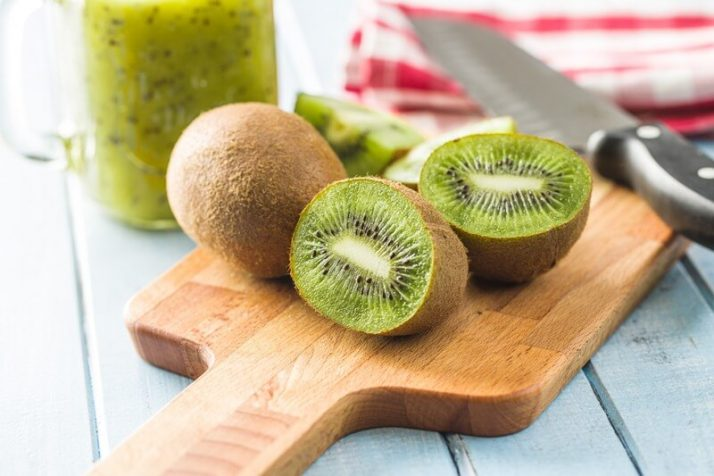 21 Lowest Calorie Fruits For Weight Loss List; kiwi fruit