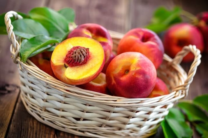 21 Lowest Calorie Fruits For Weight Loss List; nectarine