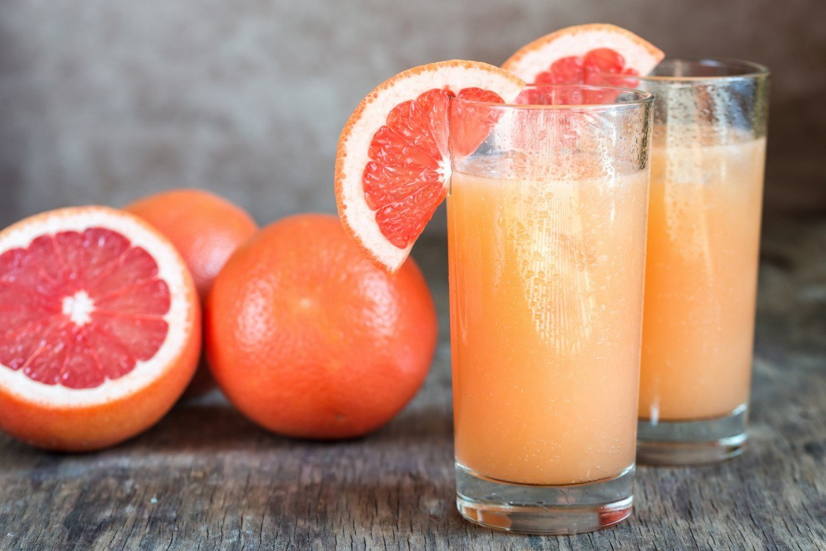 35 Best Smoothie Ingredients For Weight Loss (List & Recipes); Grapefruit and Tequila Paloma Cocktail