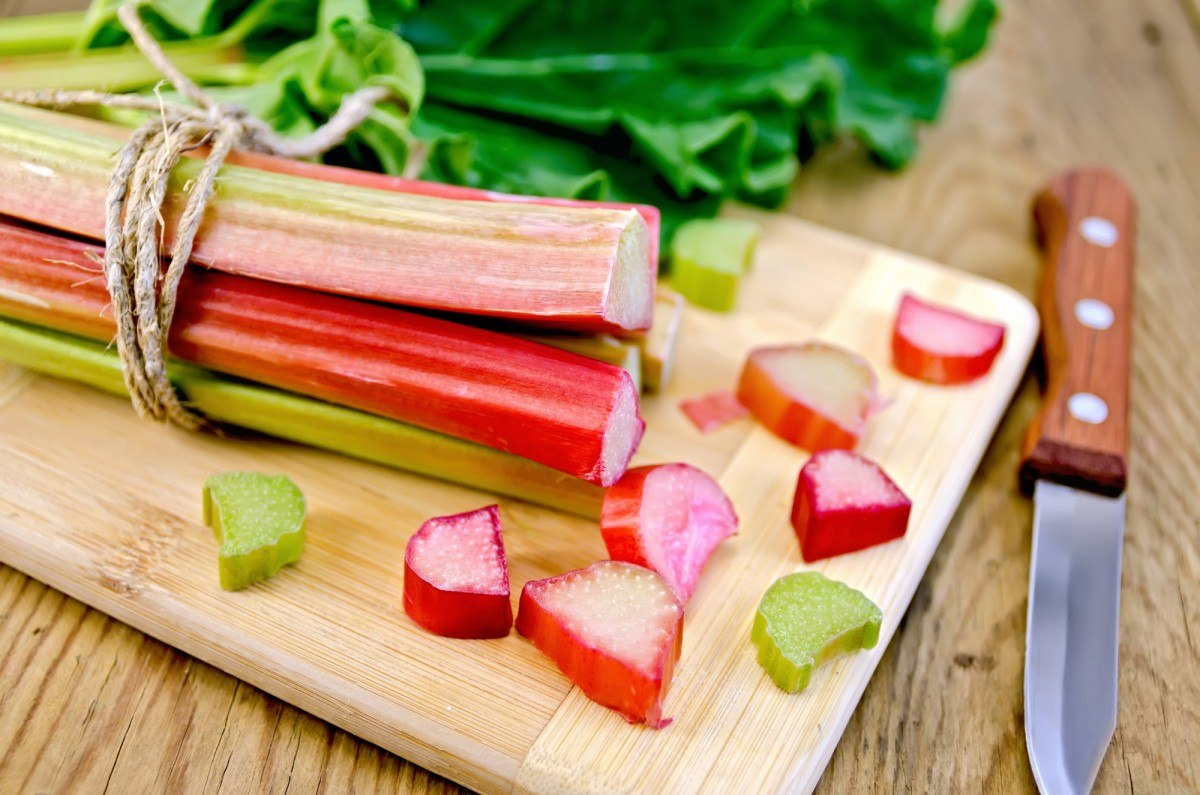35 Best Smoothie Ingredients For Weight Loss (List & Recipes); Rhubarb cut on board with sheet